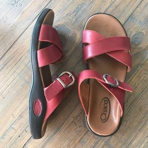 Chaco size 9 red leather adjustable sandals